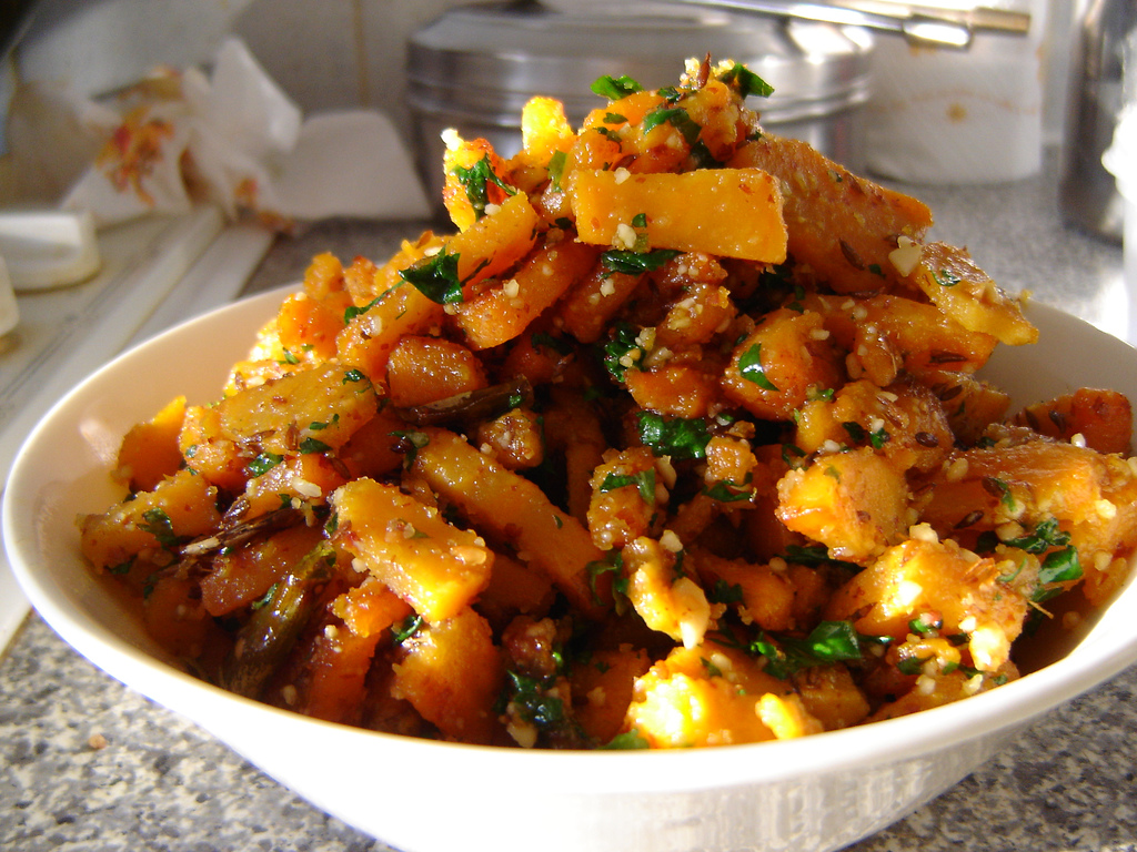Skillet Sweet Potatoes Recipe - great holiday side dish recipe! #Thanksgiving #Christmas #SideDish