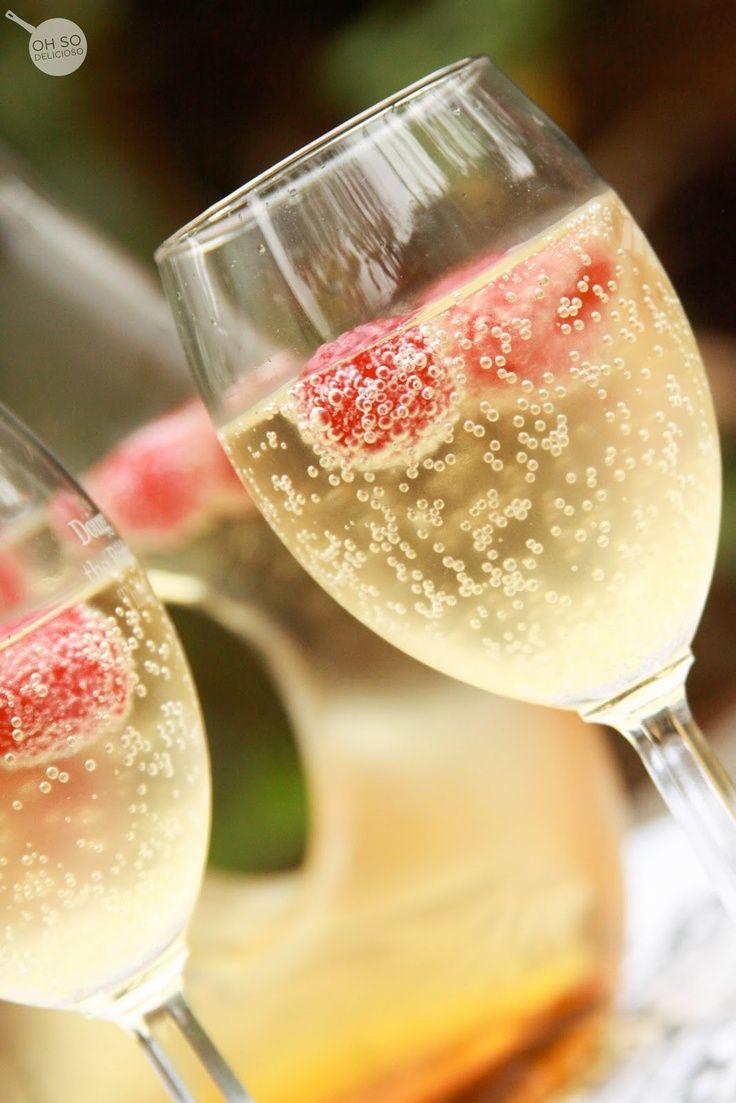 *Good For You* Party Food & healthy snacks - Mock Champagne with fruit | HealthyHappySmart.com