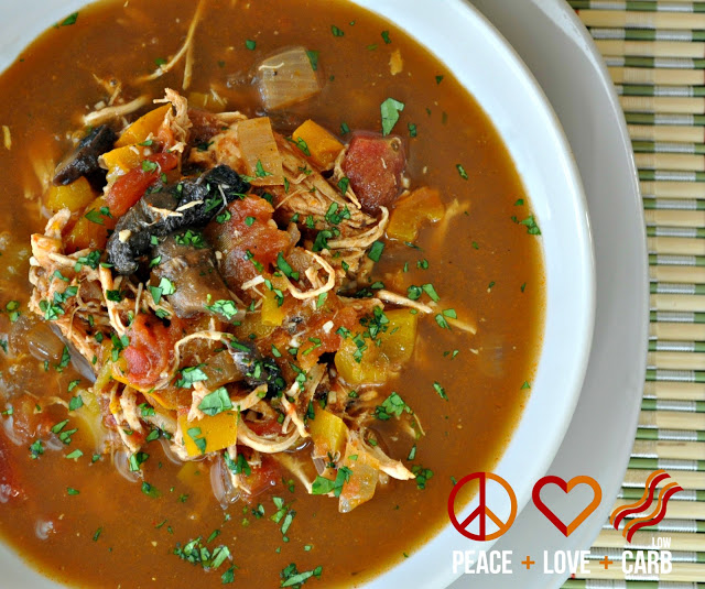 Chicken Fajita Soup - #LowCarb Recipe - PLUS 13 more low carb recipes for dinner - #Diet #WeightLoss