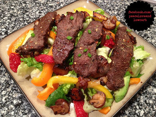 Balsamic Flat Iron Steak Salad - PLUS 13 more LOW CARB recipes for dinner - #LowCarb #Diet #Paleo #glutenfree